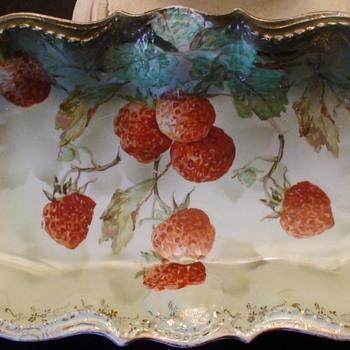 Erdmann Schlegelmilch  Prov Sxe  antique handpainted Strawberries plate