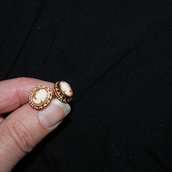14K Cameo Earrings