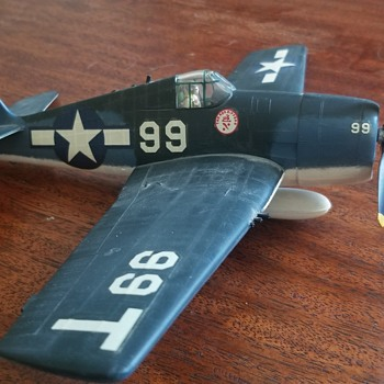 Vintage WW2 built model - Hellcat? - Military and Wartime