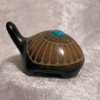 Black Pottery Turtle Fetish - Native American