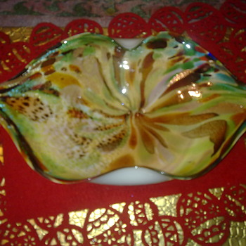 art glass sweet dish