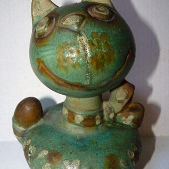 Italian Art Pottery CAT Still Bank 1944?  Do you know the artist?