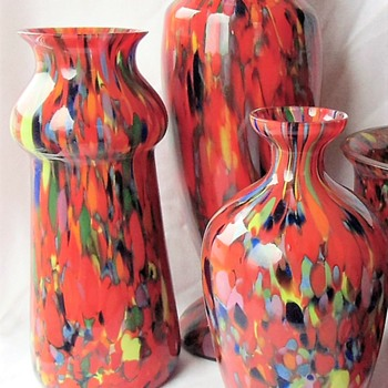 The Case Of The Spatter Glass Chip Decor Variations - Czech Glass 1920s - Art Glass