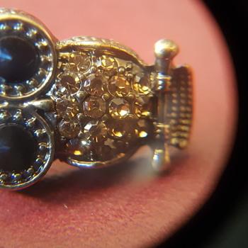 Stunning Owl Brooch - Costume Jewelry
