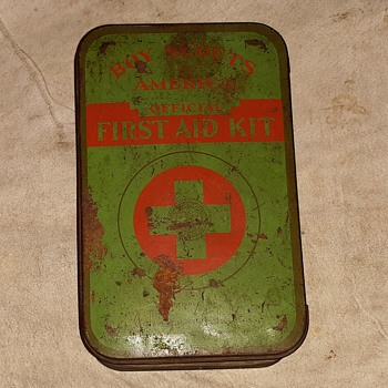 Saturday Evening Scout Post Johnson & Johnson Boy Scouts of America First Aid Kit 1940s - Advertising
