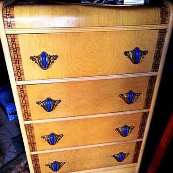Unidentified bureau - Furniture