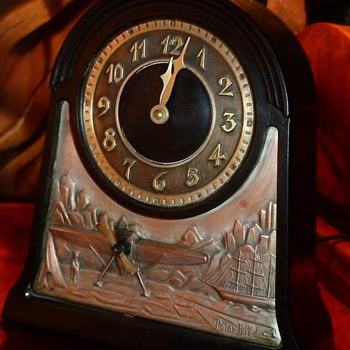 Vintage Chronart Polar Bird Shelf Clock