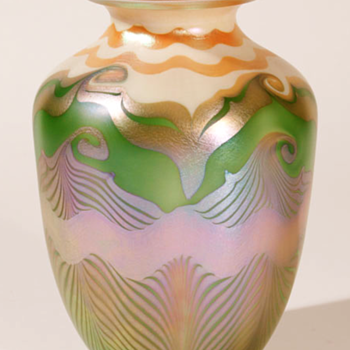 QUEZAL ART GLASS VASE, circa 1906 - Art Glass