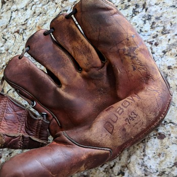 Dubow 743 baseball glove, Sis Gordon. - Baseball