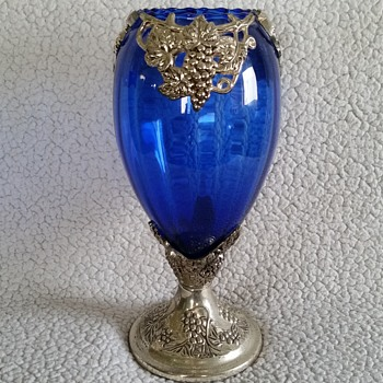 blue vase  - Art Glass