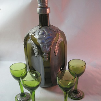 Pinched glass decanter with pewter overlay - Bottles