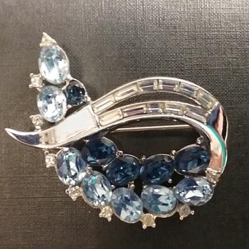 Trifari Philippe swirl brooch  - Costume Jewelry