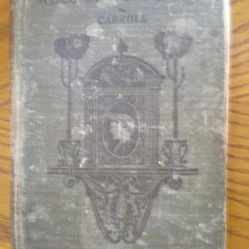 Book - Alice in Wonderland - Books