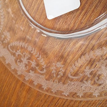 Dose anyone recognize this elegant glass etched pattern?  - Glassware