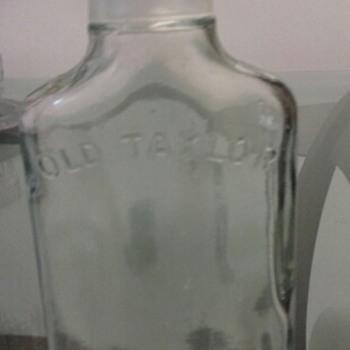 old taylor flask shoot twist cap 200ml.