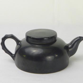 Small black ceramic teapot - China and Dinnerware