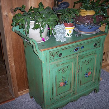 Victorian Cottage Washstand? - Furniture