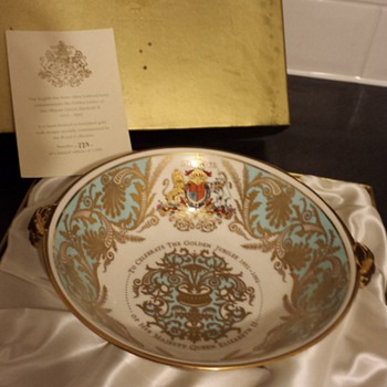 golden jubilee royal collection lion head bowl - China and Dinnerware