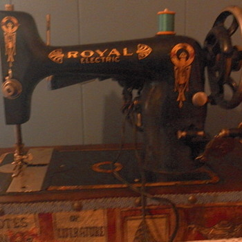Royal Sewing Machine