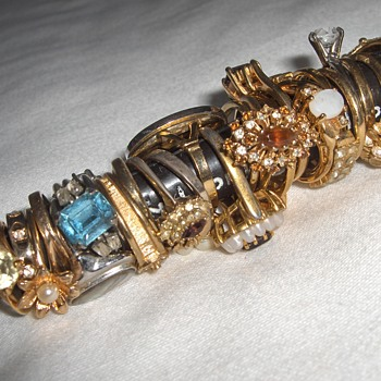 A Whole Bunch Of Vintage Costume Jewelry Rings - Set Up As A Lot A Few Years Ago - Costume Jewelry