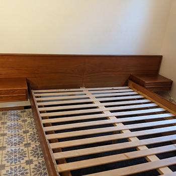 Mid Century Modern bed frame. - Furniture