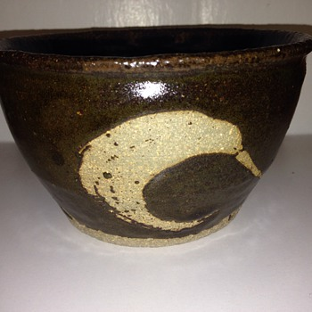 Mystery piece of marked stoneware. Information?