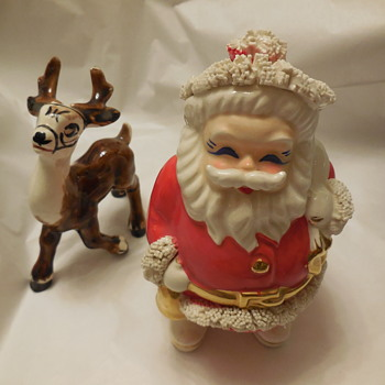 A Spaghetti Pottery Santa Bank, For Cypress1 Probably by Napco  - Coin Operated
