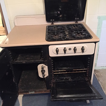 VIntage Estate Fresh Air Stove - Kitchen