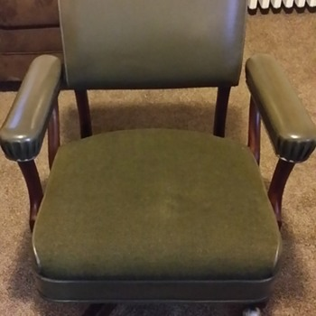 The Gunlocke Company  Swivel Office Chair.