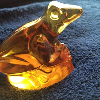 Moser glass frog - Art Glass