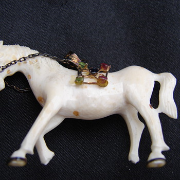 Ivory Horse Pendant With Rhinestones - Animals