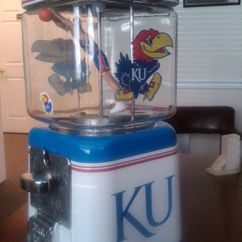 James' new Gumball Machine - Coin Operated