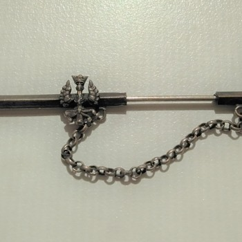 Interesting sword pin - possibly spanish civil war or post-civil war pin - Costume Jewelry