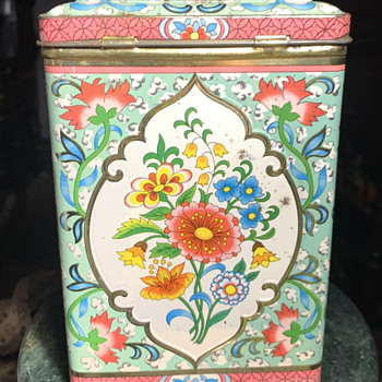 Large Biscuit Tin From England - Furniture
