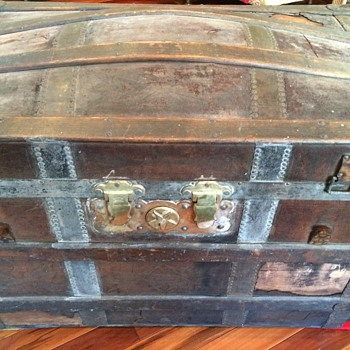 Barrel Stave trunk (leather covered)
