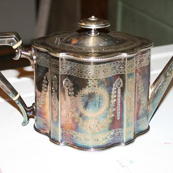 Silver tea pot - Silver