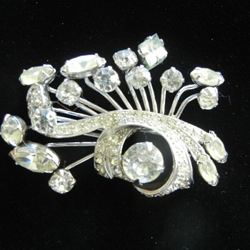 Vintage Eisenberg Jewelry Brooch 1945-50 Mark ! :^) - Costume Jewelry