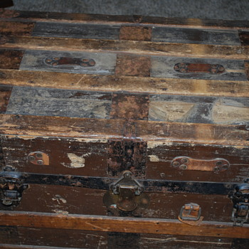 Old family trunk - Furniture