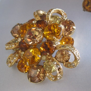 50's-60's Eisenberg brooch - Costume Jewelry