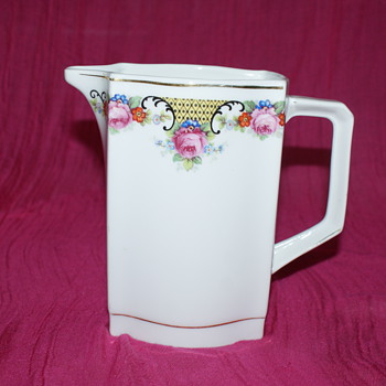 Large Creamer or Small Jug? - China and Dinnerware