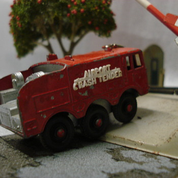 Lesney Airport foamite crash tender - Model Cars