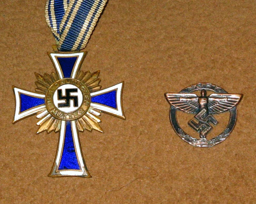 Nazi Germany war medal , pin & emblem for hat? | Collectors Weekly