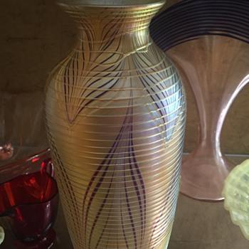 O & F glass vase