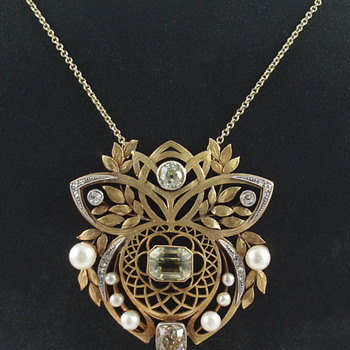 Gold and Gem-Set Pendant  - Fine Jewelry