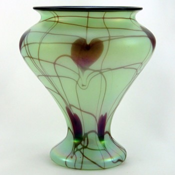 Rare Fenton Off Hand Hanging Hearts Vase c.1925 - Glassware