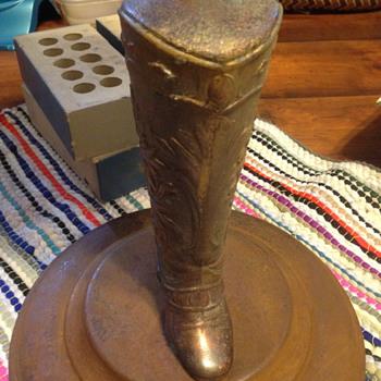 cowboy boot ash tray  - Tobacciana