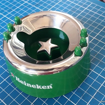 Heineken ashtray - Redbox exclusive design - Breweriana