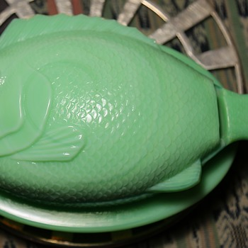 Jadeite[?] Glass Fish Baking of Candy Dish?