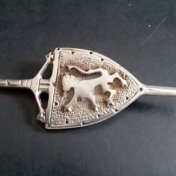 Vale of Garnock pewter (?) brooch - Fine Jewelry