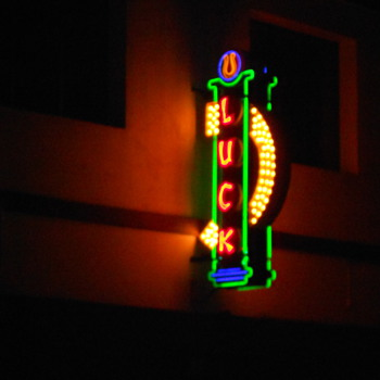 Los Feliz Ca Neon sign